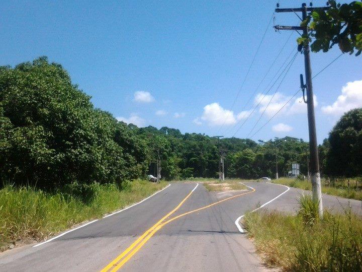 Entrada-Vilatur-asfalto-sinalizado